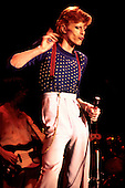 David Bowie - performing live on the Diamond Dogs Tour at the Music Hall in Boston MA USA - July 16, 1974.  Photo credit: Pownall/Dalle/IconicPix **UK ONLY**