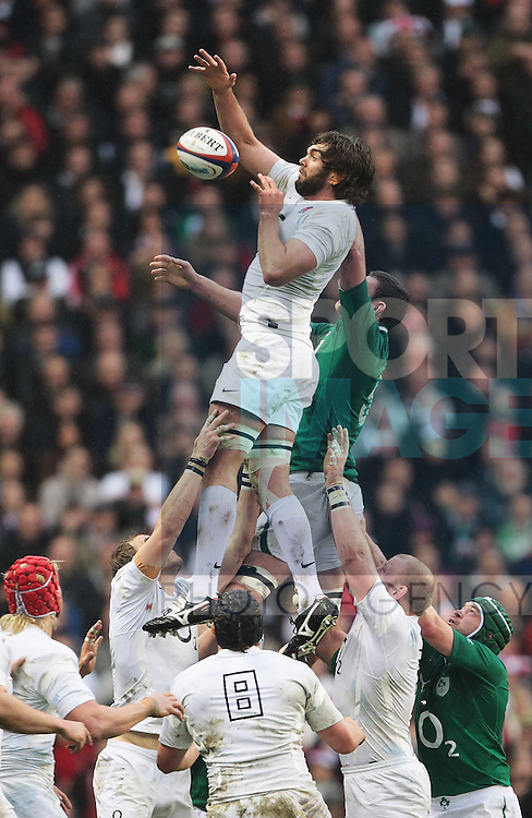 Geoff Parling of England gets getys the ball during the Line out during the Six Nations Game at Twickenham London..17th March, 2012.--------------------.Sportimage +44 7980659747.picturedesk@sportimage.co.uk.http://www.sportimage.co.uk/.Editorial use only. Maximum 45 images during a match. No video emulation or promotion as 'live'. No use in games, competitions, merchandise, betting or single club/player....