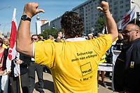 """Verdi-Aktion zu Tarifverhandlung mit der BVG.<br /> Am Mittwoch den 17. Mai 2017 rief die Gewerkschaft ver.di die Mitarbeiter der Berliner Verkehsbetriebe (BVG) zu einer""""Aktiven Fruehstueckspause"""" vor der Hauptverwaltung auf.<br /> In den laufenden Tarifverhandlungen zwischen ver.di und dem Kommunalen Arbeitgeberverband Berlin (KAV) fordert die Gewerkschaft eine Erhoehung, die deutlich ueber den 2,5 Prozent liegt, was der KAV ablehnt. Die erste Verhandlungsrunde am 10. Mai wurde ohne Ergebnis und ohne einen neuen Verhandlungstermin beendet.<br /> 17.5.2017, Berlin<br /> Copyright: Christian-Ditsch.de<br /> [Inhaltsveraendernde Manipulation des Fotos nur nach ausdruecklicher Genehmigung des Fotografen. Vereinbarungen ueber Abtretung von Persoenlichkeitsrechten/Model Release der abgebildeten Person/Personen liegen nicht vor. NO MODEL RELEASE! Nur fuer Redaktionelle Zwecke. Don't publish without copyright Christian-Ditsch.de, Veroeffentlichung nur mit Fotografennennung, sowie gegen Honorar, MwSt. und Beleg. Konto: I N G - D i B a, IBAN DE58500105175400192269, BIC INGDDEFFXXX, Kontakt: post@christian-ditsch.de<br /> Bei der Bearbeitung der Dateiinformationen darf die Urheberkennzeichnung in den EXIF- und  IPTC-Daten nicht entfernt werden, diese sind in digitalen Medien nach §95c UrhG rechtlich geschuetzt. Der Urhebervermerk wird gemaess §13 UrhG verlangt.]"""