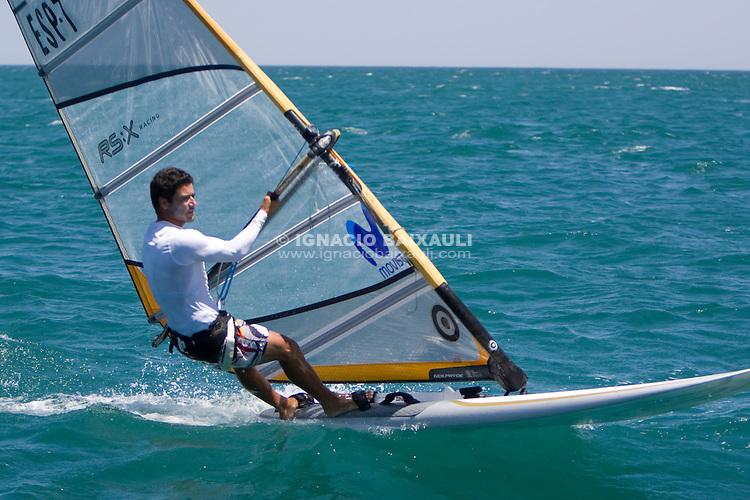 ESP 7 Pastor Lafuente, Iván CN Santa Pola .II Master Golden Series RS:X Marina Juan Carlos I