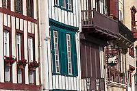Europe/France/Aquitaine/64/Pyrénées-Atlantiques/Pays-Basque/Ciboure:  Maisons du Quai Maurice Ravel