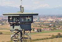 - Camp Ederle US Army base, guard tower in Longare detachment (former Site Pluto)....- base US Army di caserma Ederle, torre di guardia  nel distaccamento di Longare (ex Site Pluto)