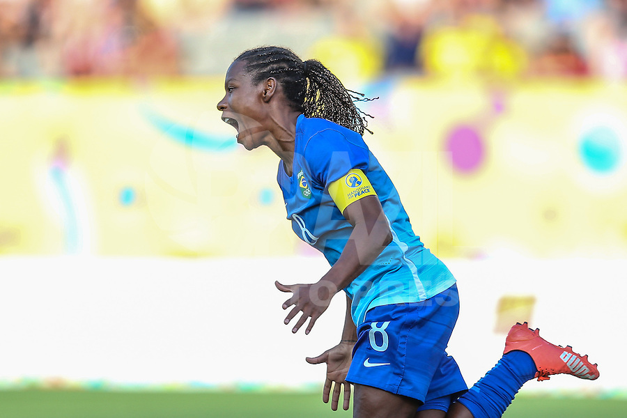 HAMILTON, CANADA, 25.07.2015 - PAN-FUTEBOL - Formiga do Brasil comemora seu gol durante partida contra a Colombia em partida da final do futebol feminino nos jogos Pan-americanos no Estadio Tim Hortons em Hamilton no Canadá neste sábado, 25. (Foto: William Volcov/Brazil Photo Press)