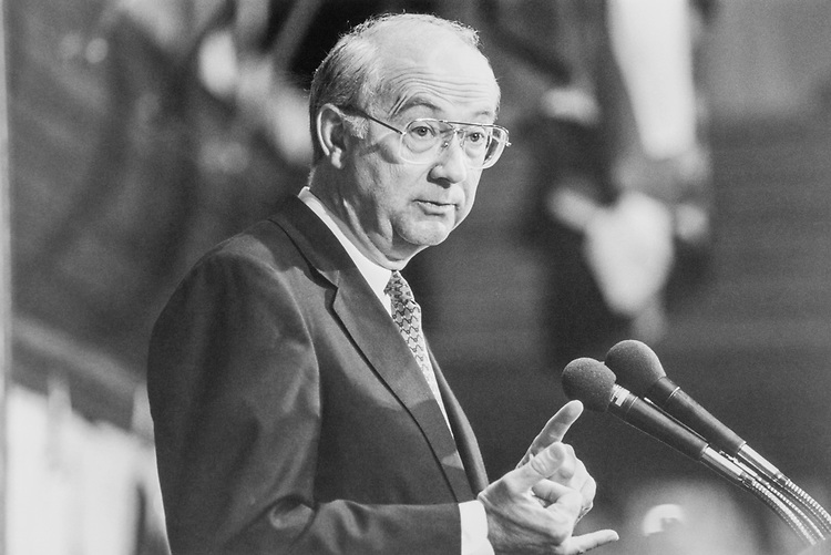 Sen. Phil Gramm, R-Tex. in Sept., 1994. (Photo by Laura Patterson/CQ Roll Call)