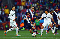 Francisco Torres (C) of USA in action against Slovenia