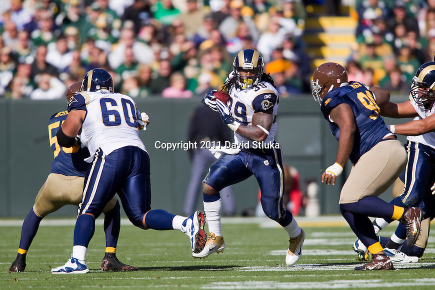 St. Louis Rams running back Steven Jackson (39) carries the ball during a Week 6 NFL football game against the Green Bay Packers on October 16, 2011 in Green Bay, Wisconsin. The Packers won 24-3. (AP Photo/David Stluka)