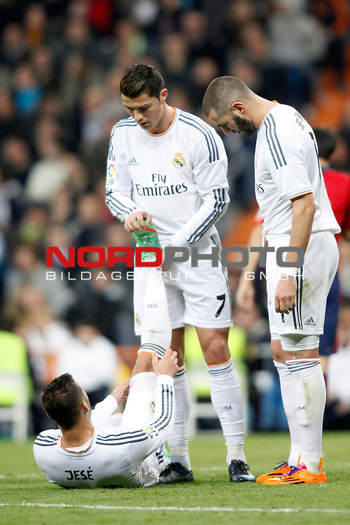 Real Madrid¬¥s Jese, Cristiano Ronaldo and Karim Benzema during a Spain King Cup soccer match between Real Madrid and Osasuna at Santiago Bernabeu Stadium in Madrid, Spain. January 09, 2014. Foto © nph / Caro Marin)