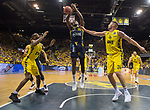 """02.06.2019, EWE Arena, Oldenburg, GER, easy Credit-BBL, Playoffs, HF Spiel 1, EWE Baskets Oldenburg vs ALBA Berlin, im Bild<br /> Landry NNOKO (ALBA Berlin #35 ) William""""Will"""" CUMMINGS (EWE Baskets Oldenburg #3 ) Rashid MAHALBASIC (EWE Baskets Oldenburg #24 )<br /> <br /> Foto © nordphoto / Rojahn"""