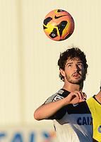 SÃO PAULO,SP, 05 julho 2013 -  alexandre Pato  durante treino do Corinthians no CT Joaquim Grava na zona leste de Sao Paulo, onde o time se prepara  para para enfrenta o Bahia pelo campeonato brasileiro . FOTO ALAN MORICI - BRAZIL FOTO PRESS