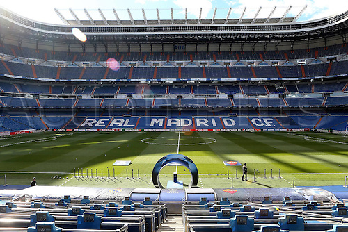 08.03.2016 Estadio Santiago Bernabeu, Madrid, Spain.  UEFA Champions League Real Madrid CF versus AS Roma. Last 16 second leg match in Madrid. The stadium inside starts to fill up with fans pregame
