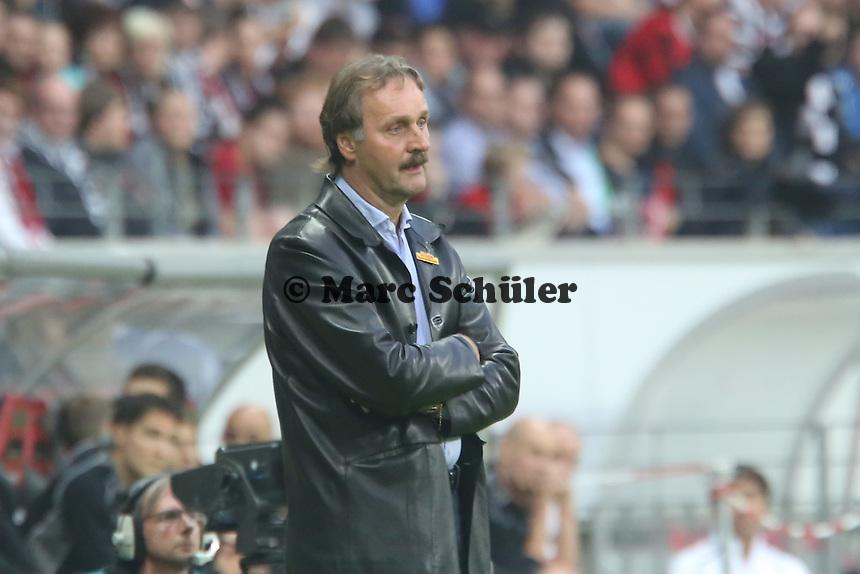 Trainer Peter Neururer (Bochum) - Eintracht Frankfurt vs. VfL Bochum, Commerzbank Arena, 2. Runde DFB-Pokal