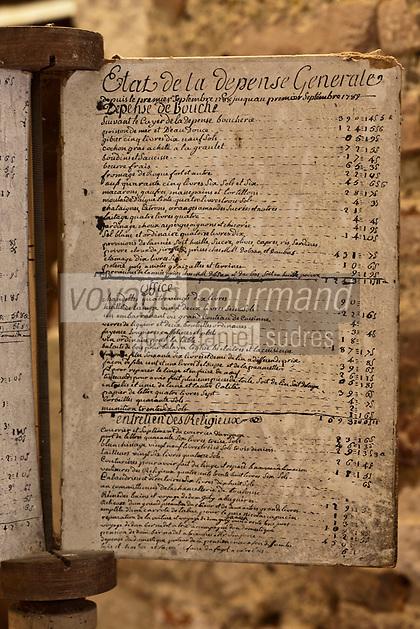 Europe/France/Midi-Pyrénées/32/Gers/Valence-sur-Baïse: Abbaye de Flaran - Dans l'ancienne cuisine - Livre de comptes de l'Abbaye