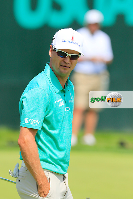 Zach Johnson (USA) on the 18th green during Wednesday's Practice Day of the 2016 U.S. Open Championship held at Oakmont Country Club, Oakmont, Pittsburgh, Pennsylvania, United States of America. 15th June 2016.<br /> Picture: Eoin Clarke | Golffile<br /> <br /> <br /> All photos usage must carry mandatory copyright credit (&copy; Golffile | Eoin Clarke)