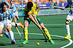 The Hague, Netherlands, June 13: Kieran Govers #27 of Australia controls the ball during the field hockey semi-final match (Men) between Australia and Argentina on June 13, 2014 during the World Cup 2014 at Kyocera Stadium in The Hague, Netherlands. Final score 5-1 (3-0)  (Photo by Dirk Markgraf / www.265-images.com) *** Local caption ***