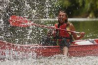 Europe/France/Midi-Pyrénées/46/Lot/Orniac: Descente en Canoé  de la Vallée du Célé -jeux d'eau Auto N°: 2008-224
