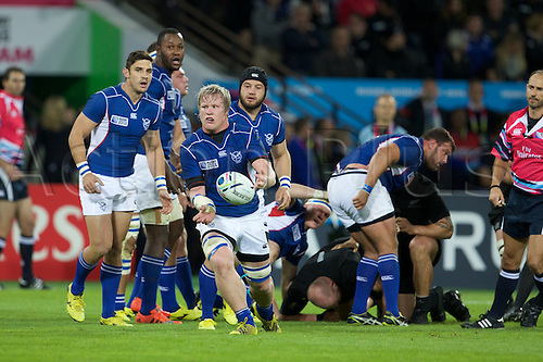 24.09.2015. Olympic Stadium, London, England. Rugby World Cup. New Zealand versus Namibia. Namibia lock Janco Venter passes the ball.