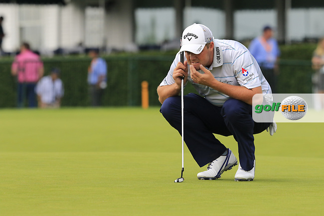 Marc Leishman (AUS) lines up his putt on the 9th green during Friday's Round 1 of the 2016 U.S. Open Championship held at Oakmont Country Club, Oakmont, Pittsburgh, Pennsylvania, United States of America. 17th June 2016.<br /> Picture: Eoin Clarke | Golffile<br /> <br /> <br /> All photos usage must carry mandatory copyright credit (&copy; Golffile | Eoin Clarke)