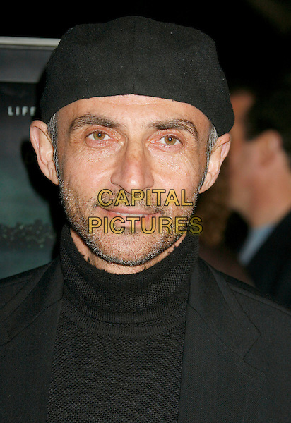 "SHAUN TOUB.""Zodiac"" Los Angeles Premiere held at Paramount Theatre, . Los Angeles, California, USA, 01 March 2007..portrait headshot black hat cap.CAP/ADM/RE.©Russ Elliot/AdMedia/Capital Pictures. *** Local Caption *** ."
