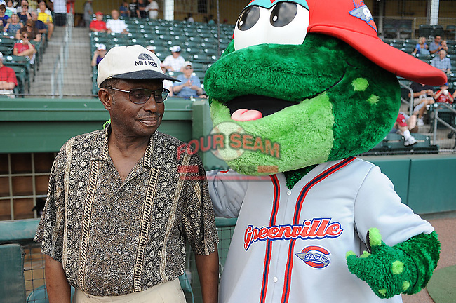 Greenville Drive mascot Reedy Rip'It introduces himself to Spartanburg's Beacon Drive-In legend J.C. Strobel during Spartanburg Night with the Greenville Drive on June 8, 2010, at Fluor Field at the West End in Greenville, S.C. Photo by: Tom Priddy/Four Seam Images