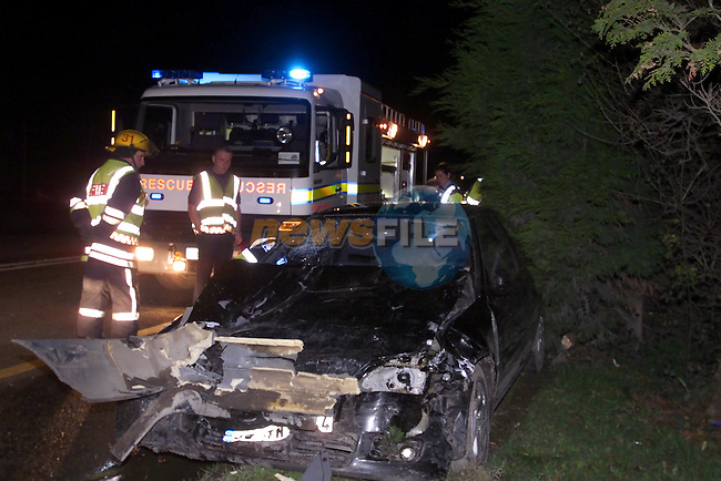 Accident outside the Glenside Hotel on Monday Night..Picture Fran Caffrey Newsfile...This Picture is sent to you by:..Newsfile Ltd.The View, Millmount Abbey, Drogheda, Co Louth, Ireland..Tel: +353419871240.Fax: +353419871260.GSM: +353862500958.ISDN: +353419871010.email: pictures@newsfile.ie.www.newsfile.ie