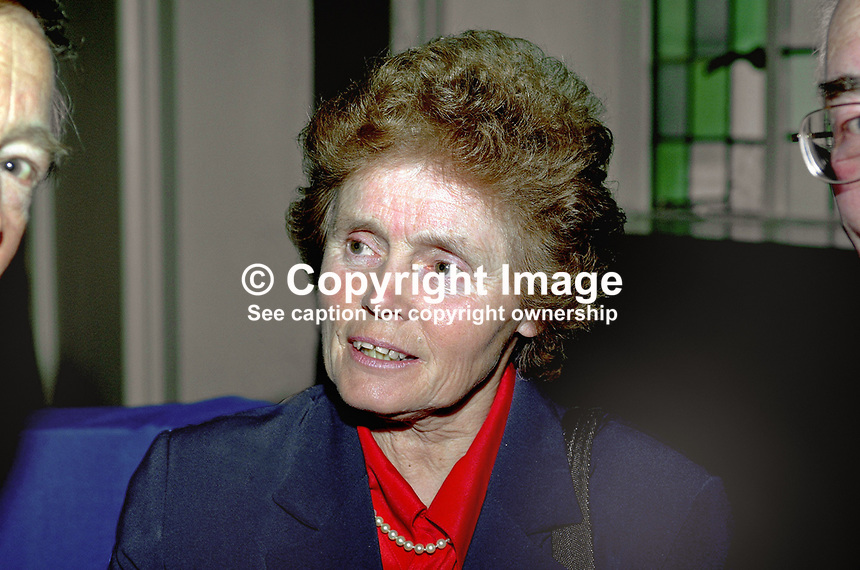 Lady Elizabeth Bloomfield, wife of Sir Ken Bloomfield, a former head of the N Ireland Civil Service. Taken 9 May 2001 at Europe Day Reception in City Hall, Belfast. Ref: 2001051619.<br />