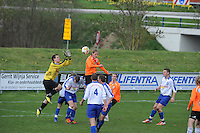 "VOETBAL: BALK: Voetbalcomplex ""de Wilgen"", 27-04-2013, KNVB 1ste Klasse E district Noord, VV Balk -VV Drachtster Boys, Einduitslag 1-2, Keeper Erwin Lootsma (#1 | Balk), Karst Geertsma (#6 | Balk) bukt, Willem den Hartogh (#16| DB), ©foto Martin de Jong"