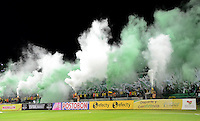 MEDELLÍN -COLOMBIA-03-10-2015. Hinchas de Atlético Nacional anima a su equipo durante el encuentro con Jaguares FC por la fecha 15 de la Liga Aguila II 2015 jugado en el estadio Atanasio Girardot de la ciudad de Medellín./ Fans of Atletico Nacional cheer for their tram during the match against Jaguares FC for the  date 15 of the Aguila League II 2015 at Atanasio Girardot stadium in Medellin city. Photo: VizzorImage/León Monsalve/STR