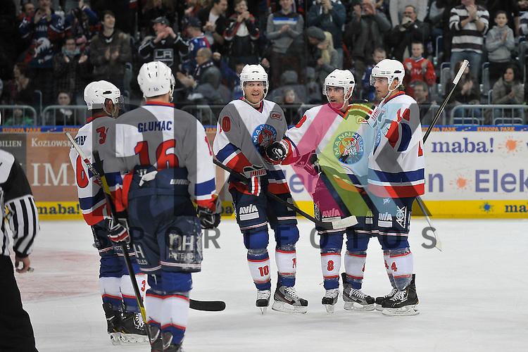 Torjubel zum 2:0 von Mannheims Yannic Seidenberg (Nr.36), Mannheims Mike Glumac (Nr.16), Mannheims Ken Magowan (Nr.19), der Torschuetze Mannheims Yanick Lehoux (Nr.8) und Mannheims Steve Wagner (Nr.14) beim Spiel in der DEL, Adler Mannheim - Hannover Scorpions.<br /> <br /> Foto &copy; Ice-Hockey-Picture-24 *** Foto ist honorarpflichtig! *** Auf Anfrage in hoeherer Qualitaet/Aufloesung. Belegexemplar erbeten. Veroeffentlichung ausschliesslich fuer journalistisch-publizistische Zwecke. For editorial use only.