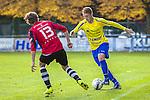 2015-10-25 / Voetbal / seizoen 2015-2016 / Schilde - Ternesse / Oscar Coppieters (L. Schilde) met Christof Van Bouwel