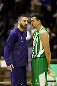 7th January 2018, San Pablo Sports Municipal Palace, Seville, Spain; Endesa League Basketball, Real Betis Energia Plus versus FC Barcelona Lassa; Juan Carlos Navarro from Barcelona Lassa speaks with Alfonso Sánchez from Betis Plus at the end of the match
