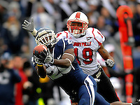 F:\DPF\Monday Sports\East Hartford, CT - UCONN Football vs Louisville #1 Oct 17, 2009.jpg\ Endres, Cody pass complete to Easley, Marcus for 46 yards to the LOU39\Steve McLaughlin