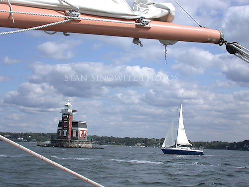 Approaching lighthouse on Starboard beam.