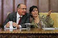 SAO PAULO,SP, 05.11.2015 - ALCKMIN-SP - Governador Geraldo Alckmin e a Coordenadora de Politica para Adversidade Sexual, Soninha Francine durante cerimônia em comemoração dos 14 anos da Lei Anti-homofobia (10.948/01) e implantação de novos campos no boletim de ocorrência para inserção do nome social e da motivação do crime, caso seja decorrente da orientação sexual ou identidade de gênero da vítima, acontece no Palacio dos Bandeirantes, no bairro do Morumbi, zona sul da cidade de São Paulo, nesta quinta-feira, 05. (Foto: Douglas Pingituro/Brazil Photo Press)