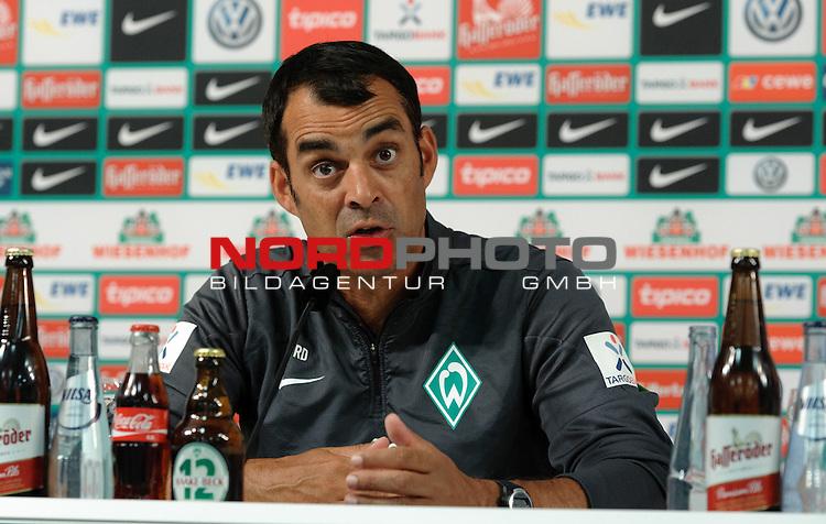 08.08.2013, Weserstadion, Bremen, GER, 1.FBL, Pressekonferenz Werder Bremen, im Bild Robin Dutt (Trainer Werder Bremen)<br /> <br /> Foto &copy; nph / Frisch