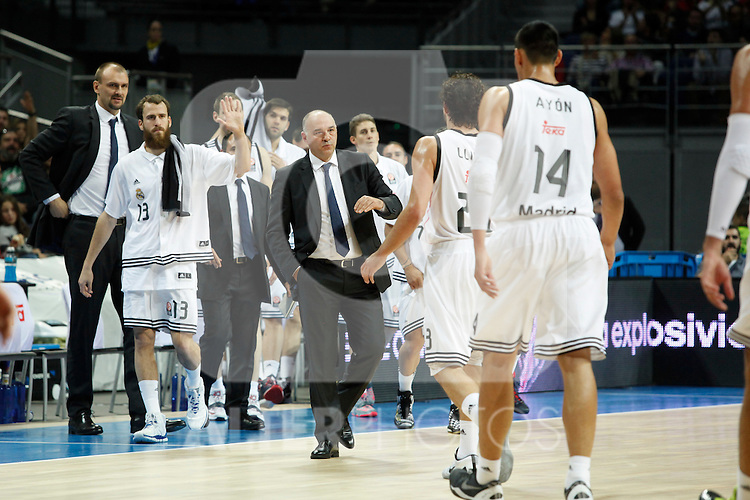 Basketball Real Madrid´s coach Pablo Laso with his players during Euroleague basketball match in Madrid, Spain. October 17, 2014. (ALTERPHOTOS/Victor Blanco)