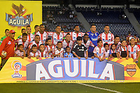 BARRANQUIILLA -COLOMBIA-12-10-2016. Jugadores de Atlético Junior posan para una foto previo al encuentro de vuelta con Deportes Tolima por la semifinal de la Copa Águila 2016 jugado en el estadio Metropolitano Roberto Meléndez de la ciudad de Barranquilla./ Players of Atletico Junior pose to a photo prior the second leg match against Deportes Tolima for the semifinals of the Aguila Cup 2016 played at Metropolitano Roberto Melendez stadium in Barranquilla city.  Photo: VizzorImage/Alfonso Cervantes/Cont