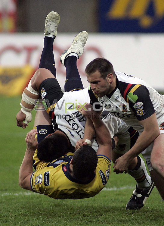 Pix: Ben Duffy/SWpix.com. Rugby League Super League, Bradford Bulls v Leeds Rhinos.....23/05/2008...copyright picture>>simon wilkinson>>07811 267 706>>..Bradford's Joe Vagana dumps Leeds Luke Burgess