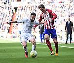 Real Madrid´s Daniel Carvajal and Atletico de Madrid´s Fernando Torres during 2015/16 La Liga match between Real Madrid and Atletico de Madrid at Santiago Bernabeu stadium in Madrid, Spain. February 27, 2016. (ALTERPHOTOS/Javier Comos)