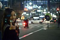 SAO PAULO, 13 DE JULHO DE 2012 - DIA DO ROCK - Movimentacao na regioa da Galeria do Rock, na rua 24 de maio, na regiao central, na noite desta sexta feira (13), dia do rock. FOTO: ALEXANDRE MOREIRA - BRAZIL PHOTO PRESS