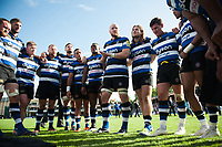 Matt Garvey of Bath Rugby speaks to his team-mates in a post-match huddle. Aviva Premiership match, between Bath Rugby and Saracens on September 9, 2017 at the Recreation Ground in Bath, England. Photo by: Patrick Khachfe / Onside Images