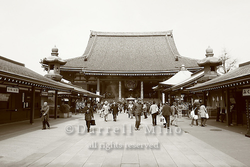Mar 9, 2006; Tokyo, JPN; Asakusa.Visitors just outside the the Senso-ji Buddhist temple...Photo credit: Darrell Miho
