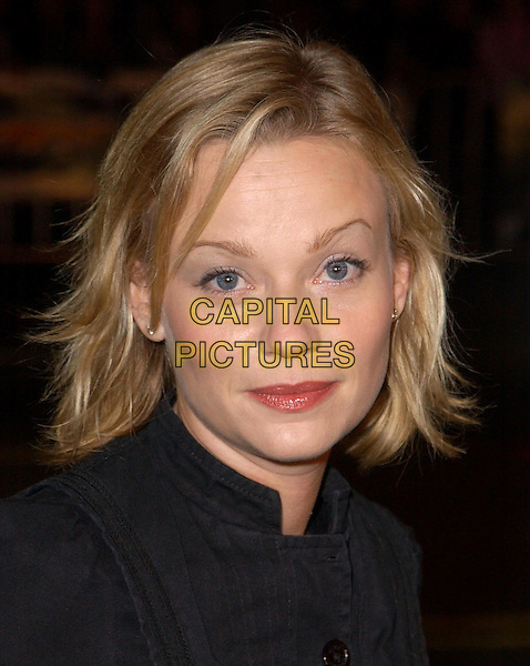 SAMANTHA MATHIS.Universal Pictures World Premiere of Along Came Polly held at the Grauman's Chinese Theater .12 January 2004.portrait, headshot.www.capitalpictures.com.sales@capitalpictures.com.©Capital Pictures.