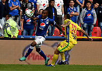 BOGOTÁ - COLOMBIA, 16–02-2019: Felipe Banguero de Millonarios disputa el balón con Tomás Maya de Atlético Huila, durante partido de la fecha 5 entre Millonarios y Atlético Huila, por la Liga Águila I 2019, jugado en el estadio Nemesio Camacho El Campín de la ciudad de Bogotá. / Felipe Banguero of Millonarios vies for the ball with Tomás Maya of Atletico Huila, during a match of the 5th date between Millonarios and Atletico Huila, for the Aguila Leguaje I 2019 played at the Nemesio Camacho El Campin Stadium in Bogota city, Photo: VizzorImage / Luis Ramírez / Staff.