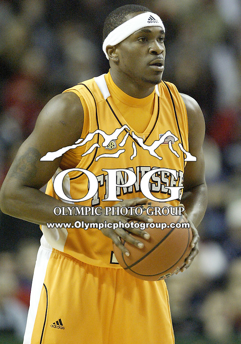"29 December 2007:  Tennessee's #12 Ramar Smith against the Gonzaga Bulldogs at Key Arena in the annual ""Battle of Seattle"" in Seattle, WA. The Tennessee Volunteers won 82-72 over the Gonzaga Bulldogs."
