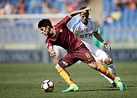 Calcio, Serie A: Roma, stadio Olimpico, 14 aprile 2017.<br /> Roma's Diego Perotti (l) in action with Atalanta's Hans Hateboer (r) during the Italian Serie A football match between Roma and Atalanta at Rome's Olympic stadium, April 14, 2017.<br /> UPDATE IMAGES PRESS/Isabella Bonotto