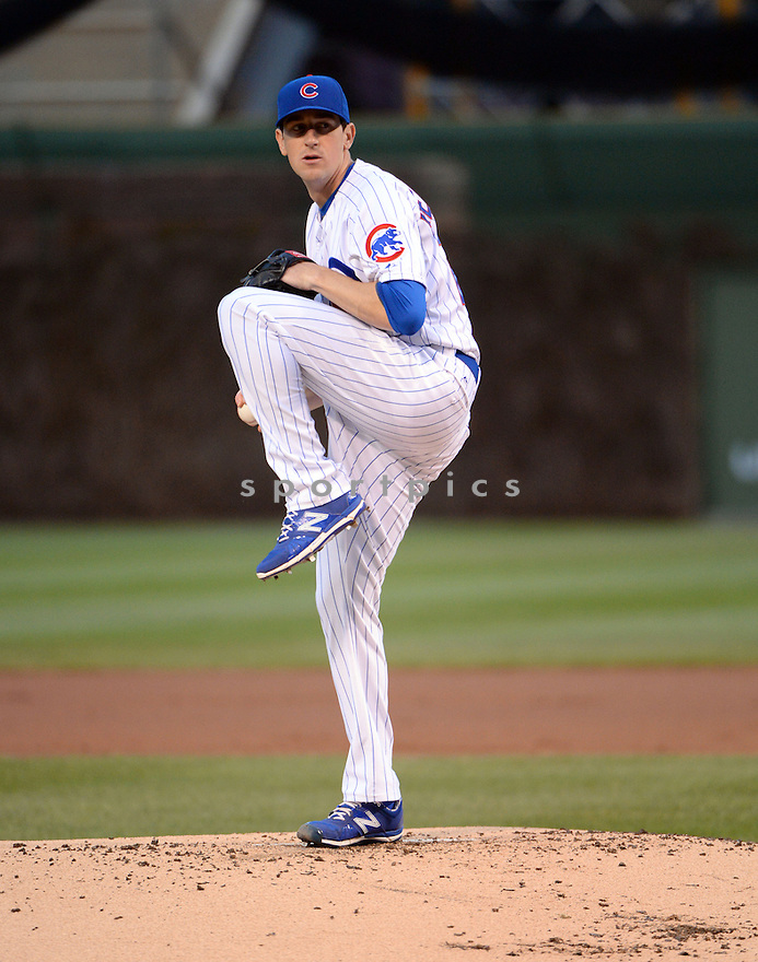Chicago Cubs Kyle Hendricks (28) during a game against the Pittsburgh Pirates on April 29, 2015 at Wrigley Field in Chicago, IL. The Pirates beat the Cubs 8-1.