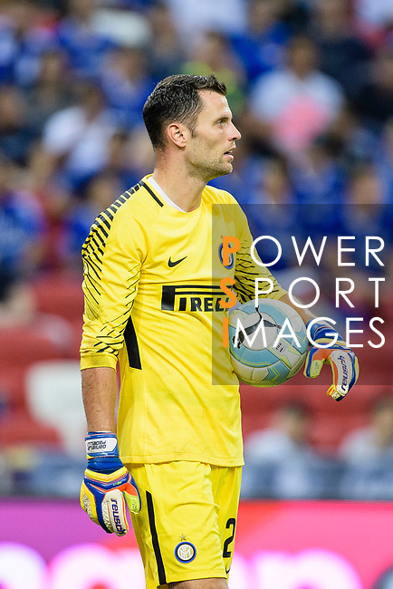FC Internazionale Goalkeeper Daniele Padelli looks on during the International Champions Cup 2017 match between FC Internazionale and Chelsea FC on July 29, 2017 in Singapore. Photo by Weixiang Lim / Power Sport Images