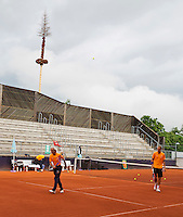 Austria, Kitzbuhel, Juli 14, 2015, Tennis, Davis Cup, Training Dutch team, warming up<br /> Photo: Tennisimages/Henk Koster