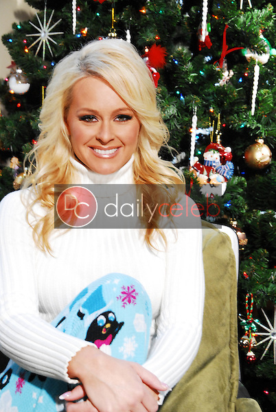 Katie Lohmann<br /> photo shoot for Katie Lohmann's 2009 Christmas Card, Private Location, Los Angeles, CA. 12-07-09<br /> David Edwards/Dailyceleb.com 818-249-4998<br /> EXCLUSIVE