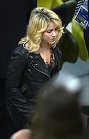 FUSSBALL  EUROPAMEISTERSCHAFT 2012   VORRUNDE Spanien - Irland                     14.06.2012 Shakira (Freundin von Gerard Pique) zu Gast im Stadion